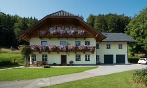 Haus Kendlinger, Penzióny  Sankt Gilgen - big - 1