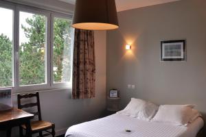 Hostellerie de la Vieille Ferme, Отели  Криэль-сюр-Мер - big - 11