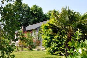 Hostellerie de la Vieille Ferme, Отели  Криэль-сюр-Мер - big - 83