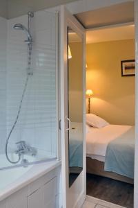 Hostellerie de la Vieille Ferme, Отели  Криэль-сюр-Мер - big - 16