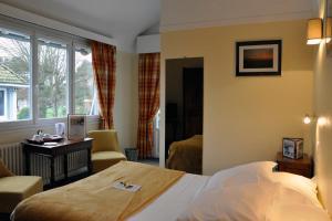 Hostellerie de la Vieille Ferme, Отели  Криэль-сюр-Мер - big - 9