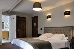 Hostellerie de la Vieille Ferme, Отели  Криэль-сюр-Мер - big - 20