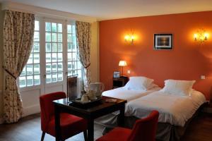 Hostellerie de la Vieille Ferme, Отели  Криэль-сюр-Мер - big - 24