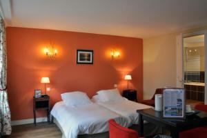Hostellerie de la Vieille Ferme, Отели  Криэль-сюр-Мер - big - 25