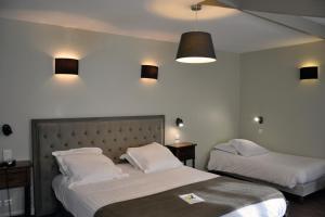Hostellerie de la Vieille Ferme, Отели  Криэль-сюр-Мер - big - 8