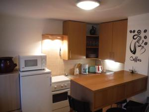 Small House Apartment, Affittacamere  Kerepes - big - 5
