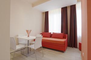 Hotel Agrigento Home, Aparthotels  Agrigent - big - 57