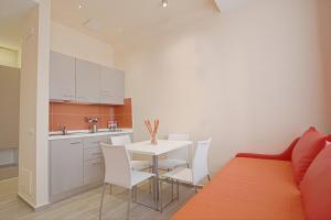 Hotel Agrigento Home, Aparthotels  Agrigent - big - 56