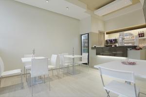 Hotel Agrigento Home, Aparthotels  Agrigent - big - 62