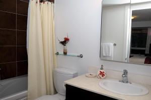 JJ Furnished Apartments Downtown Toronto: Entertainment District Element, Ferienwohnungen  Toronto - big - 9