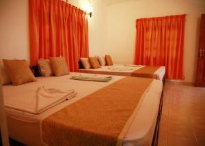 Hotel Cottage Tourist Rest