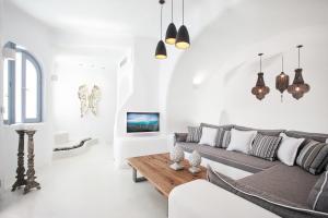 Infinity Suites - Dana Villas & Suites(Firostefani)