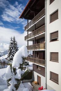 Apartment Corbassière 24, Apartmány  Verbier - big - 24