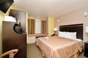 Quality Inn & Suites Elko, Hotels  Elko - big - 7