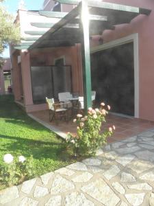 Ionian Breeze Studios, Apartments  Lefkada Town - big - 43