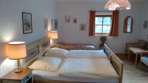 Alpengasthof Madlbauer, Гостевые дома  Бад-Райхенхаль - big - 21