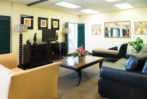 Vista Inn & Suites Tampa, Hotely  Tampa - big - 22