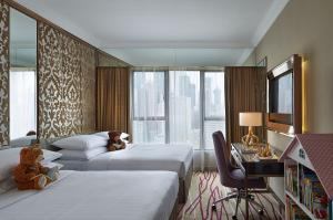 Deluxe Family Quadruple Room with 2 Queen Beds with Free Wi-Fi