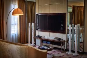 Sony Suite with Free WiFi