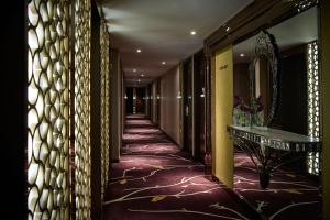 Grand Deluxe Double or Twin Room with Course View and Free Wi-Fi