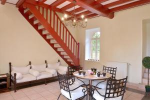 Domaine de La Corbe, Bed and Breakfasts  Bournezeau - big - 33