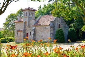 Domaine de La Corbe, Bed and Breakfasts  Bournezeau - big - 20