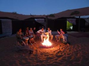 Trans Sahara, Inns  Merzouga - big - 44