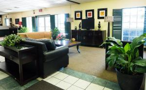 Vista Inn & Suites Tampa, Hotely  Tampa - big - 32