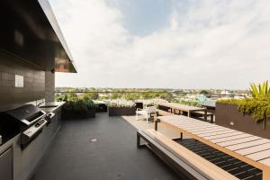 Talia - Beyond a Room Private Apartments, Apartmány  Melbourne - big - 6