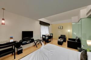 Comfort Inn Sunset, Hotels  Ahmedabad - big - 35