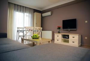 Akin Suites, Апарт-отели  Стамбул - big - 3