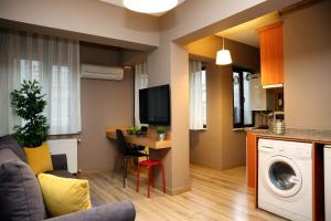 Akin Suites, Апарт-отели  Стамбул - big - 4