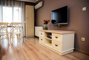 Akin Suites, Апарт-отели  Стамбул - big - 13
