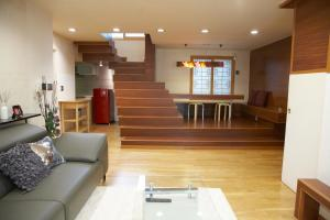 Hanso Presidential Suite Hanok Hotel, Aparthotely  Soul - big - 50