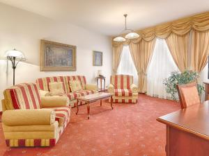 Hotel Salve, Апарт-отели  Карловы Вары - big - 20