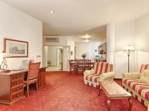 Hotel Salve, Апарт-отели  Карловы Вары - big - 5