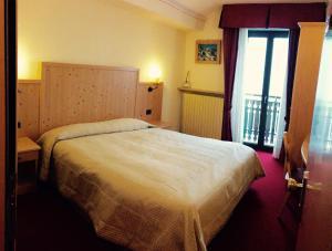 Hotel Ristorante Miramonti, Szállodák  Val Masino - big - 13