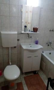 Apartment Amra, Apartmány  Tuzla - big - 10