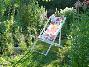Aux Jardins d'Alice, Bed and breakfasts  Asnans - big - 57