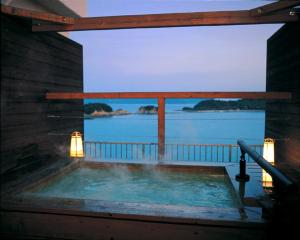 Shodoshima Grand Hotel Suimei, Hotely  Tonosho - big - 12