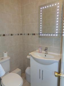 Ascot Grange Hotel - Voujon Resturant, Hotely  Leeds - big - 4