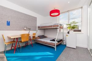 Henrietta - Beyond a Room Private Apartments
