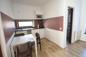 Studio ApartCity, Aparthotels  Braşov - big - 39