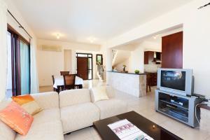 Phaedra & Orestis Villas, Prázdninové domy  Kato Akourdalia - big - 6
