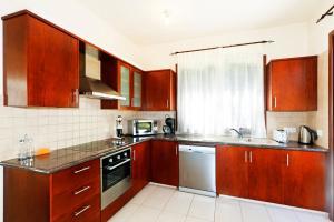 Phaedra & Orestis Villas, Prázdninové domy  Kato Akourdalia - big - 8