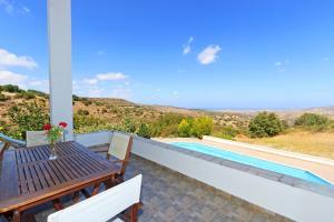 Phaedra & Orestis Villas, Prázdninové domy  Kato Akourdalia - big - 9