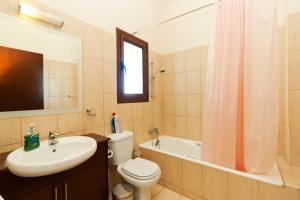 Phaedra & Orestis Villas, Prázdninové domy  Kato Akourdalia - big - 13
