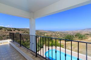 Phaedra & Orestis Villas, Prázdninové domy  Kato Akourdalia - big - 16