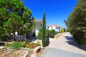 Phaedra & Orestis Villas, Prázdninové domy  Kato Akourdalia - big - 26