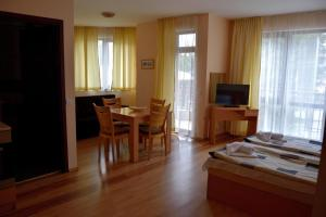 Persey Flora Apartments, Residence  Borovets - big - 54
